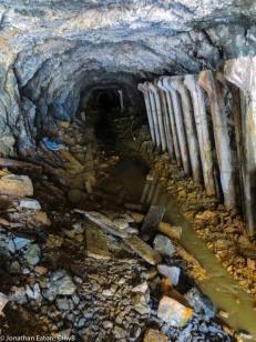 Inside one of the mine galleries   Brenda një nga galeritë e minierës