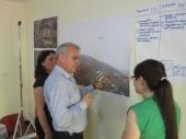 Discussing the site while doing a SWOT analysis of Spaç | Diskutimet gjatë punës në grupe për analizën SWOT